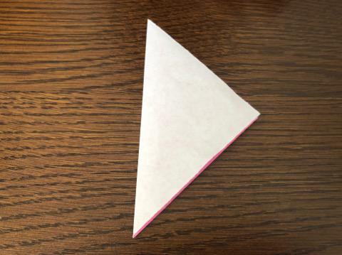 桃の花を折り紙の手順2