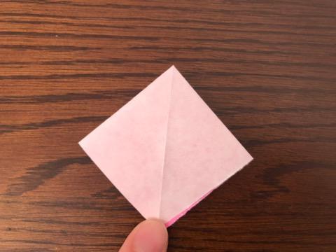 桃の花を折り紙の手順5
