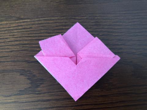 桃の花を折り紙の手順11