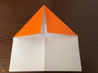 折り紙でリースの壁飾りを作る手順2