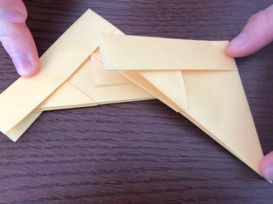 折り紙でリースの壁飾りを作る手順15