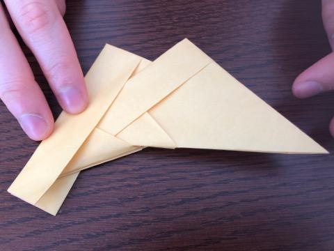 折り紙でリースの壁飾りを作る手順16