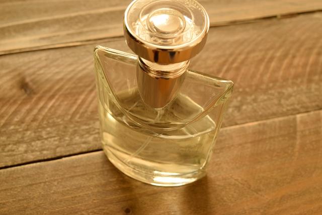 香水のイメージ画像