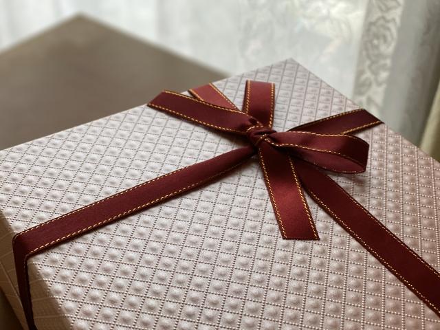 彼女への誕生日プレゼントのイメージ画像