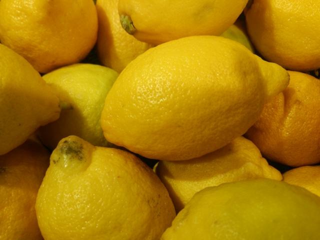 大量の檸檬のイメージ画像